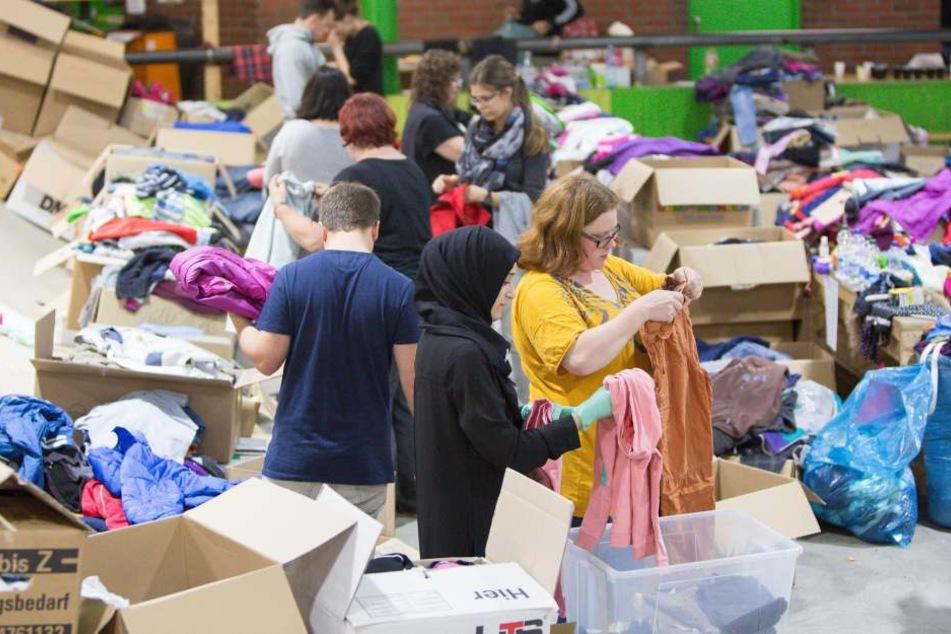 In der Flüchtlingshilfe werden Freiwillige gebraucht.