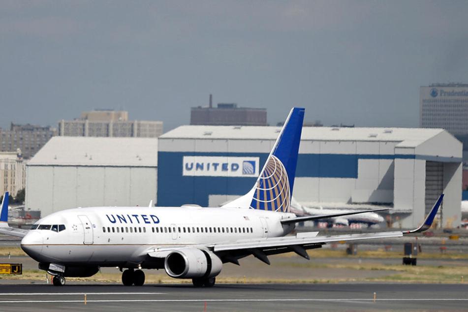 Ein Luftvogel der United-Airlines. Flug UA162 musste jedoch gestern stehenbleiben.