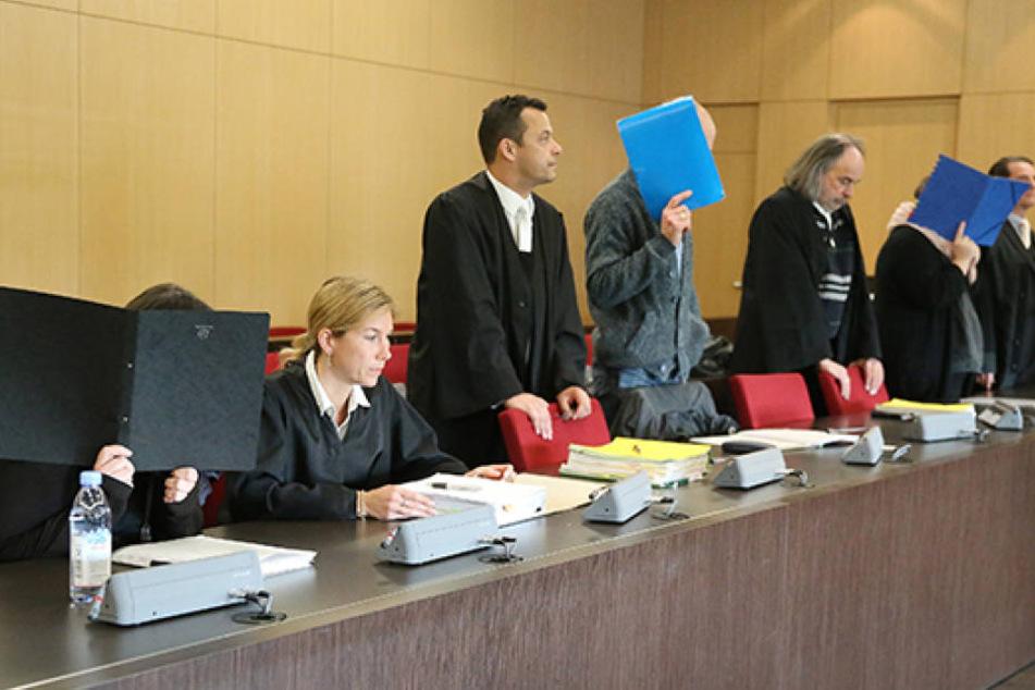Monatelang quälten sie autistische Kinder: Jetzt wurde drei Erziehern eines Wohnheims in Düsseldorf der Prozess gemacht.