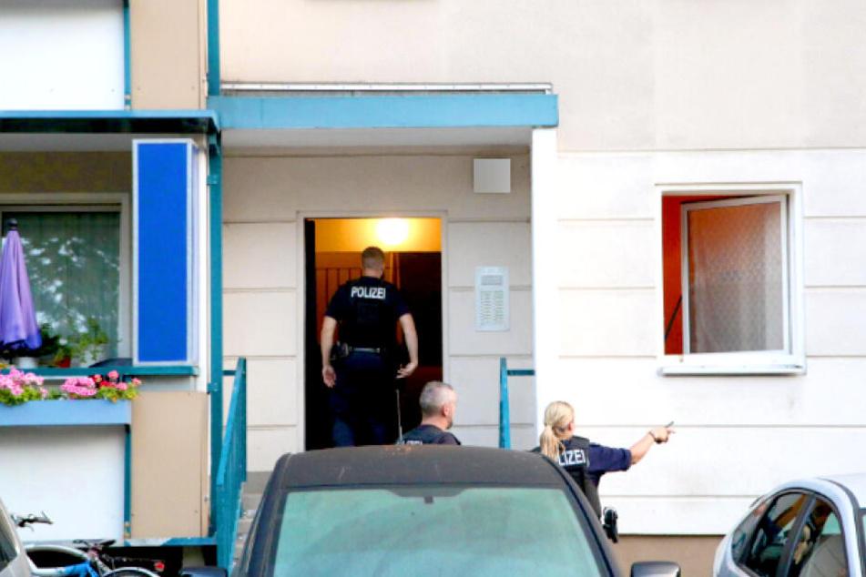 Am Donnerstagmorgen hat die Polizei eine Wohnung in Berlin-Köpenick durchsucht.