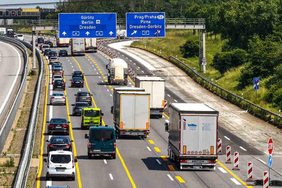 An dieser Baustelle rasen die Autofahrer einfach zu schnell, um gefahrlos weiter zu sanieren.