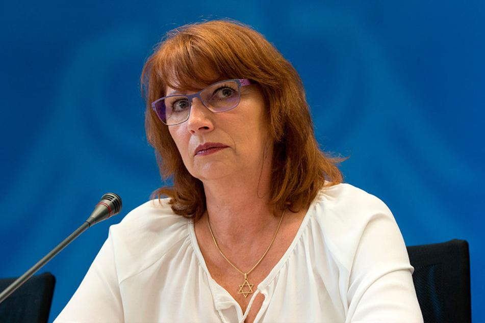 • Eine, die damals glühende Befürworterin der Kreisreform war, ist die Gleichstellungs- und Integrationsministerin Petra Köpping (60, SPD, damals Landrätin des Altkreises Leipziger Land). Rückblickend sieht sie die Reform heute kritisch.