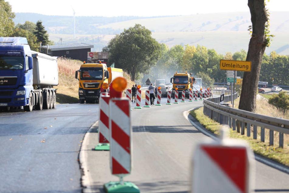 Die Bundesstraße B95 wird erneuert. Verkehrseinschränkungen aufgrund der Bauarbeiten in Oberwiesenthal dauern bis November.