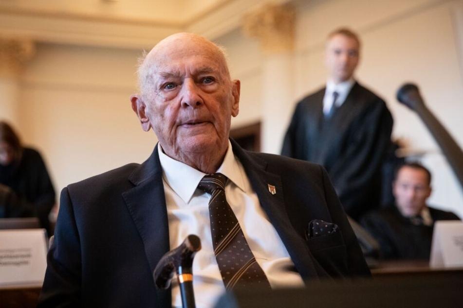 Marek Dunin-Wasowicz, Überlebender des KZ Stutthof, soll seine Aussagen fortsetzen.