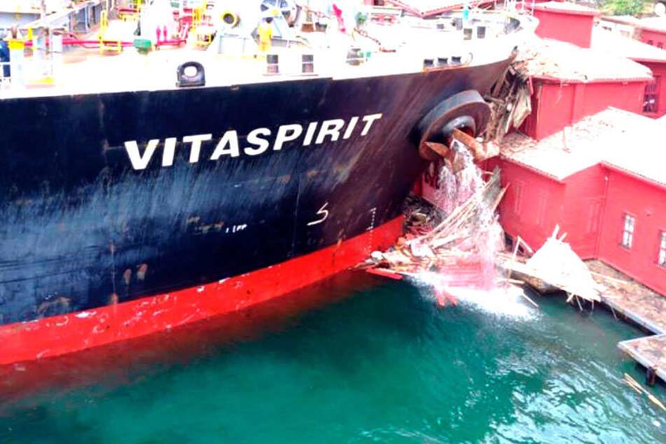 Technischer Fehler in der Ruder- oder Steueranlage? Warum kam es zum Schiffs-Crash am Bosporus?