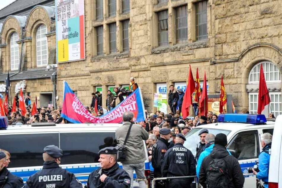 Tausende Menschen demonstrierten an besagtem Samstag im Bielefelder Stadtgebiet.