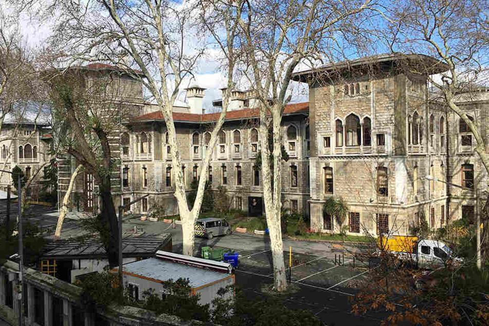 Die türkischen Behörden hatten zunächst das Thema Weihnachten aus dem Unterricht verbannt.