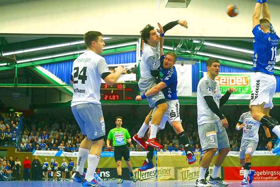 HC Elbflorenz verliert packendes Spiel: Meinhardt macht Aue zum Derbysieger