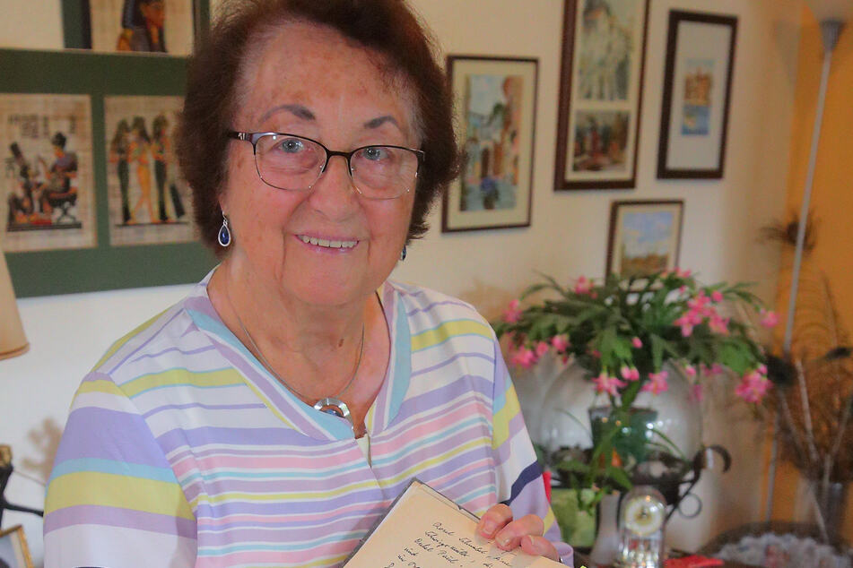 Witwe Renata Junghanns (87) fand in den Memoiren ihres Gatten Kindheitserinnerungen an die umstrittene Villa.