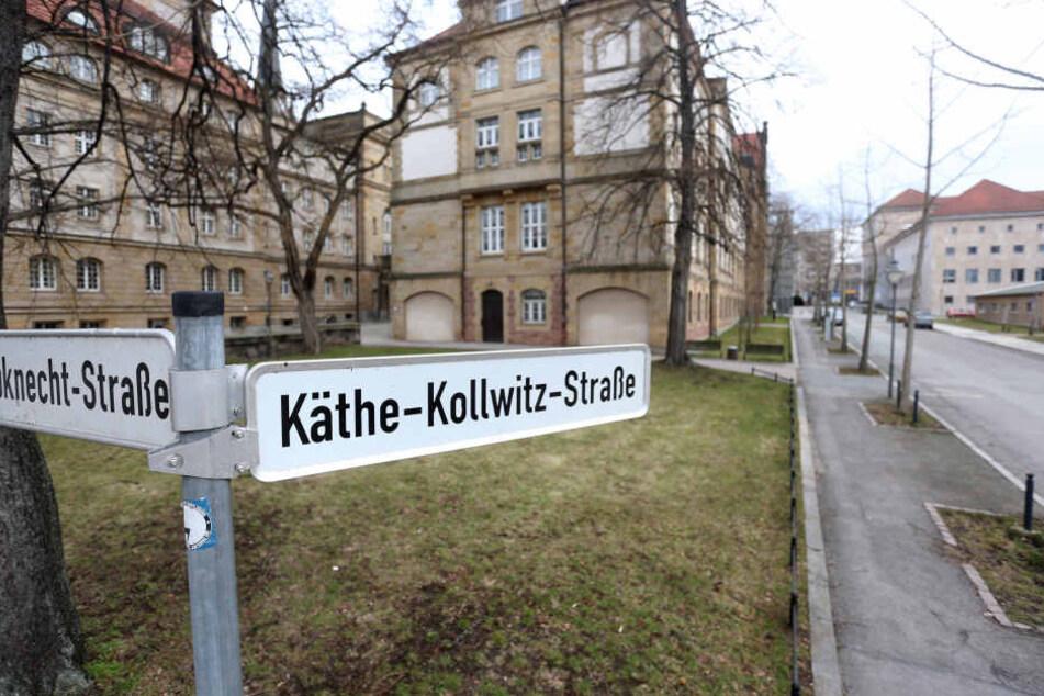 Einige weibliche Straßen gibt es schon, wie die Käthe-Kollwitz-Straße am Museum.