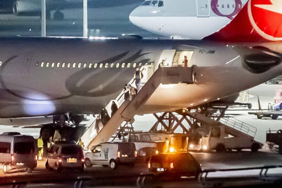 Abschiebung aus der Türkei: Salafisten-Familie landet in Berlin!