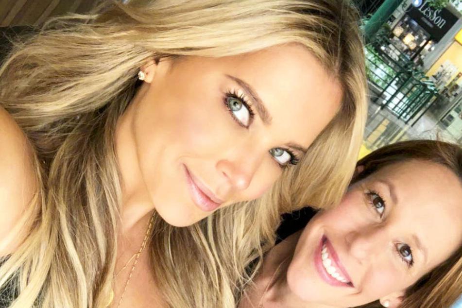 Schnappschuss von Sylvie Meis und Freundin auf Ibiza.
