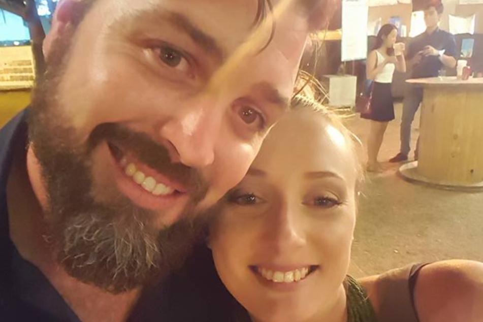 Sabine und James Mather auf einem Facebook-Selfie.