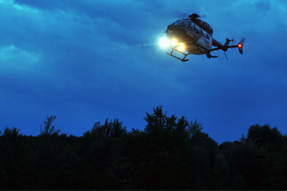 Ein Rettungshubschrauber musste den 59-Jährigen in ein Krankenhaus bringen (Symbolbild).