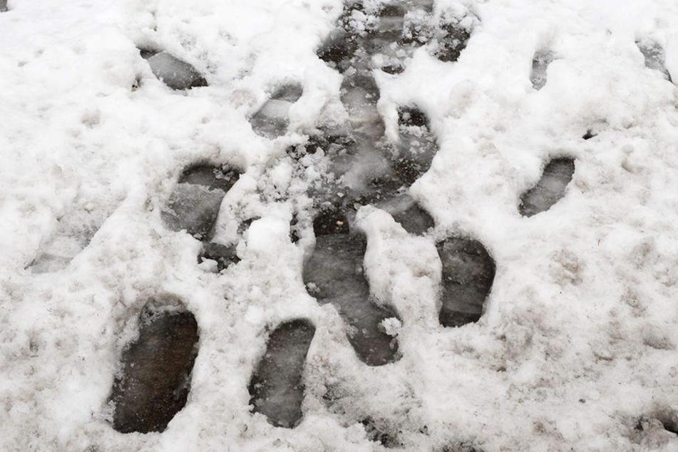 Männer rauben Kiosk aus, doch dann wird ihnen der Schnee zum Verhängnis