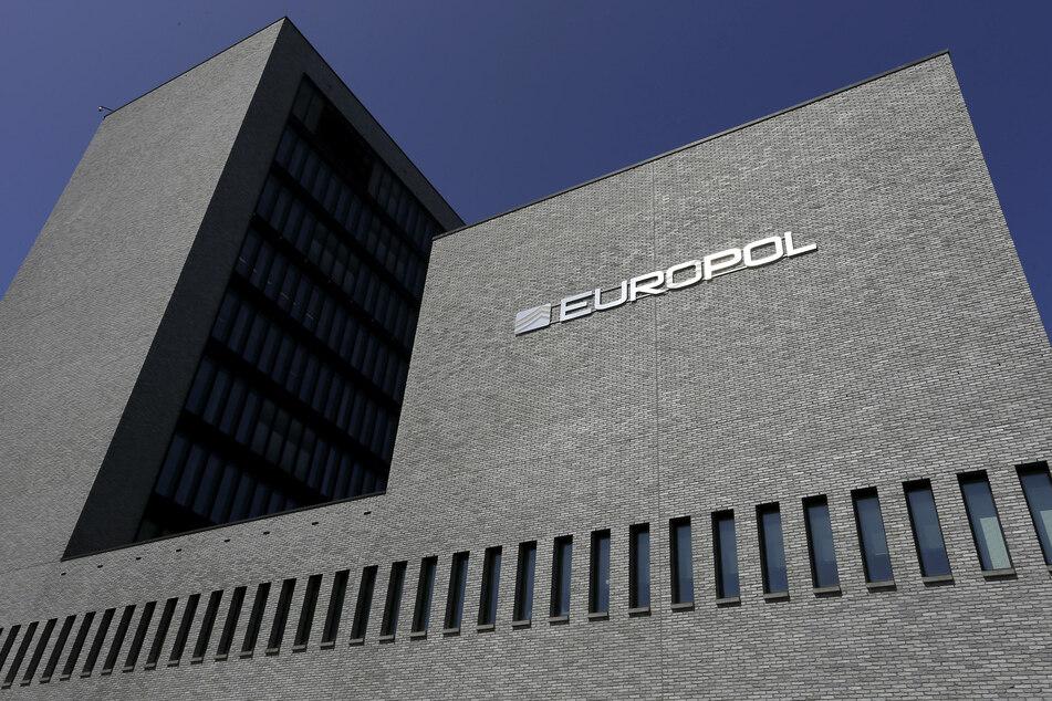 Europol bittet um Mithilfe aus der Bevölkerung bei der Suche nach 18 der gefährlichsten Sexualstraftäter Europas.