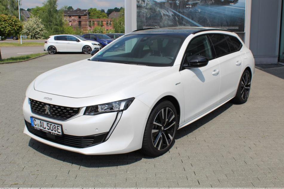 Dieser Hybrid-Kombi wurde im Januar zugelassen und ist jetzt 16.790 Euro günstiger