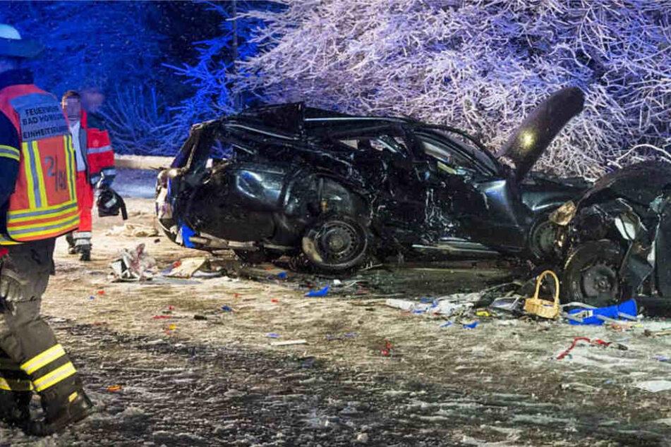 Wilde Verfolgungsjagd im Schnee endet mit Crash: Ein Schwerverletzter