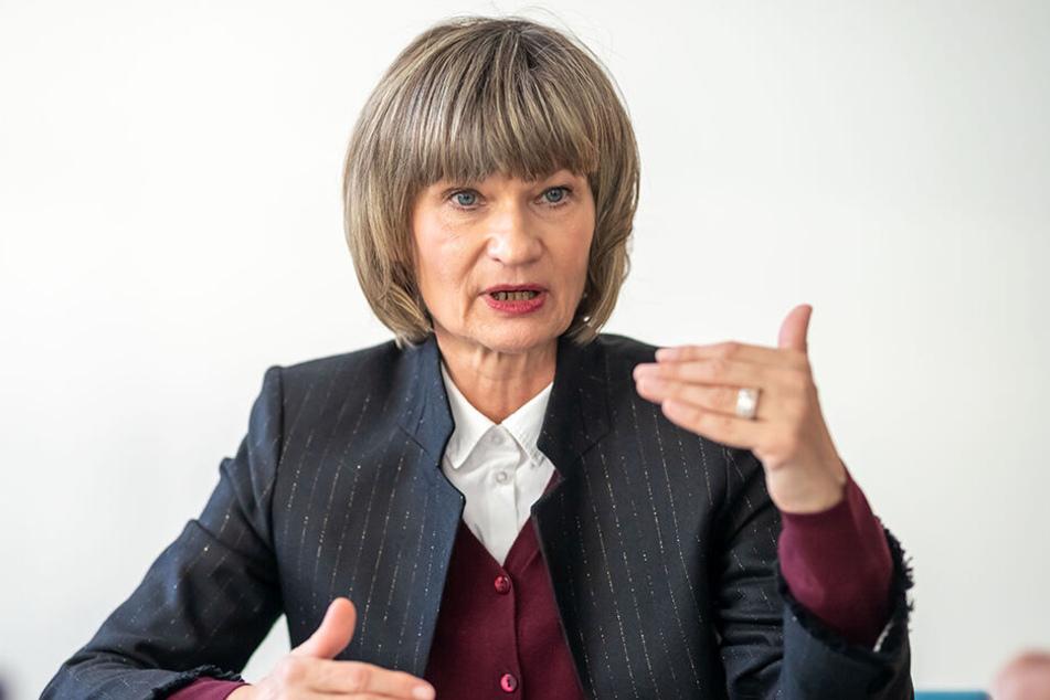 OB Barbara Ludwig (56, SPD) will dem CFC einen passenden Pachtvertrag auch für die dritte Liga vorlegen.