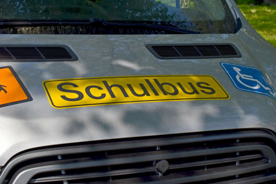 Das Einparken dauerte ihm zu lange: Mann schlägt auf Busfahrerin ein