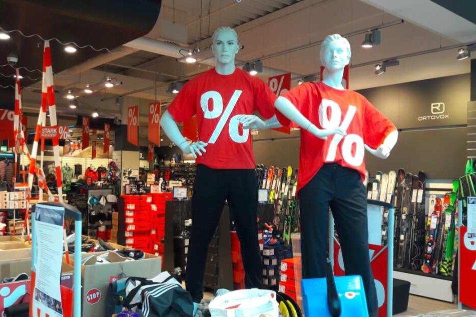 Bis zu 70% Rabatt auf Markenartikel: Das Team im Kaufpark Dresden freut sich auf Euren Besuch.