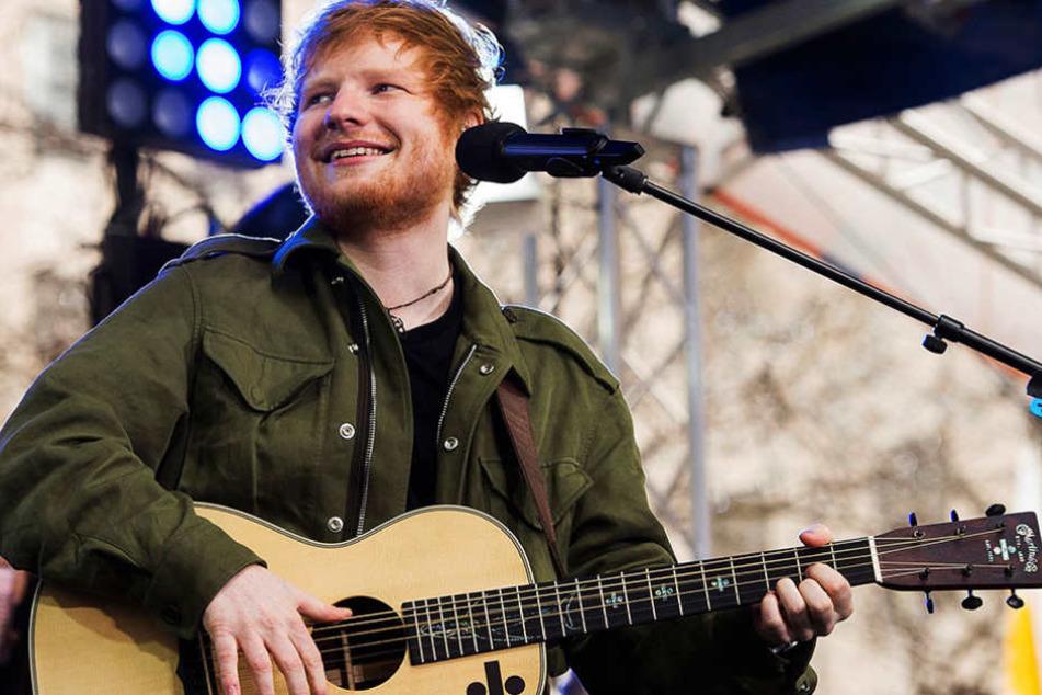 """Ed Sheerans Musikvideo """"Bibia Be Ye Ye"""" spielt in Ghana."""