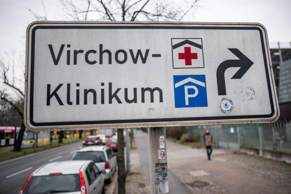 Im Virchow Klinikum der Charite in Wedding wurde eine Anlaufstelle eingerichtet, um sich bei möglichen Anzeichen auf eine Coronavirus Erkrankung testen zu lassen.