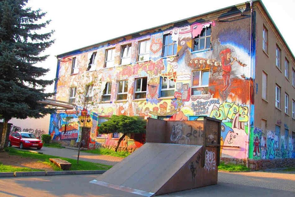 Im Jugendhaus Roßwein wird seit Monaten fleißig gebaut und gewerkelt, doch es fehlt noch immer an Geld.