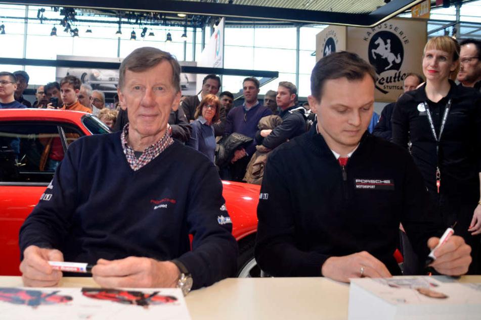 Gaben fleißig Autogramme: Rallye-Legende Walter Röhrl (links) und Rennfahrer Marc Lieb.