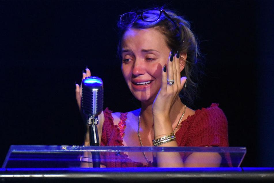 """Bei """"Promi Big Brother"""" brach Cathy (26) vor der Kamera in Tränen aus, der Grund: Ihre Ehe-Probleme mit Richard Lugner (83)."""
