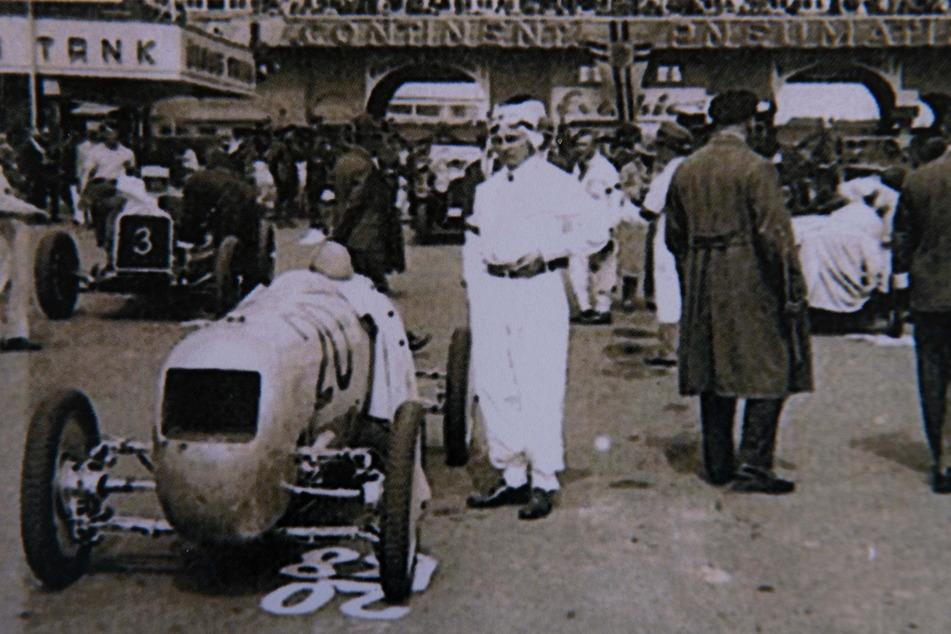 Mit diesem historischen Rennwagen, der schon 1932 beim Avus-Rennen in Berlin eingesetzt wurde, war Frieder Bach in den 90ern in Amerika.
