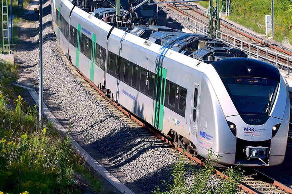 Die Silberpfeile des Verkehrsverbundes Mittelsachsen (VMS) könnten nach der Elektrifizierung halbstündlich nach Leipzig düsen.