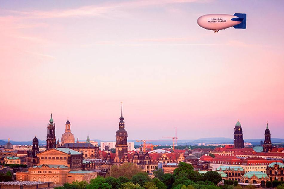 Das erste Mal konnten Passagiere den Sonnenuntergang über Dresden aus einem  Zeppelin erleben.