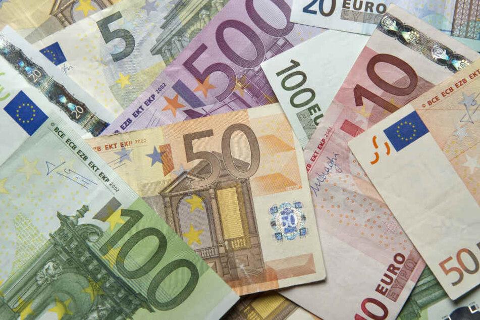 Geldscheine sollten vor Annahme immer genau überprüft werden.
