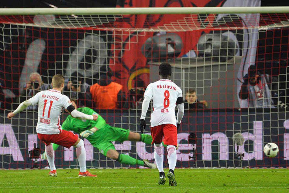 Den anschließenden Foulelfmeter verwandelte Werner selbst zum 1:0.