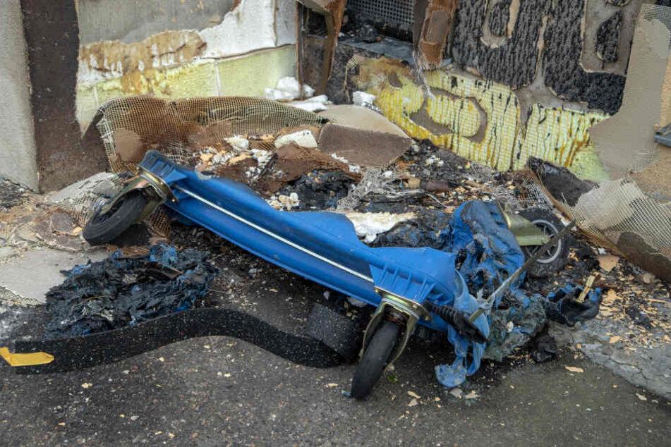 Die Polizei ermittelt wegen des Verdachts der Brandstiftung.