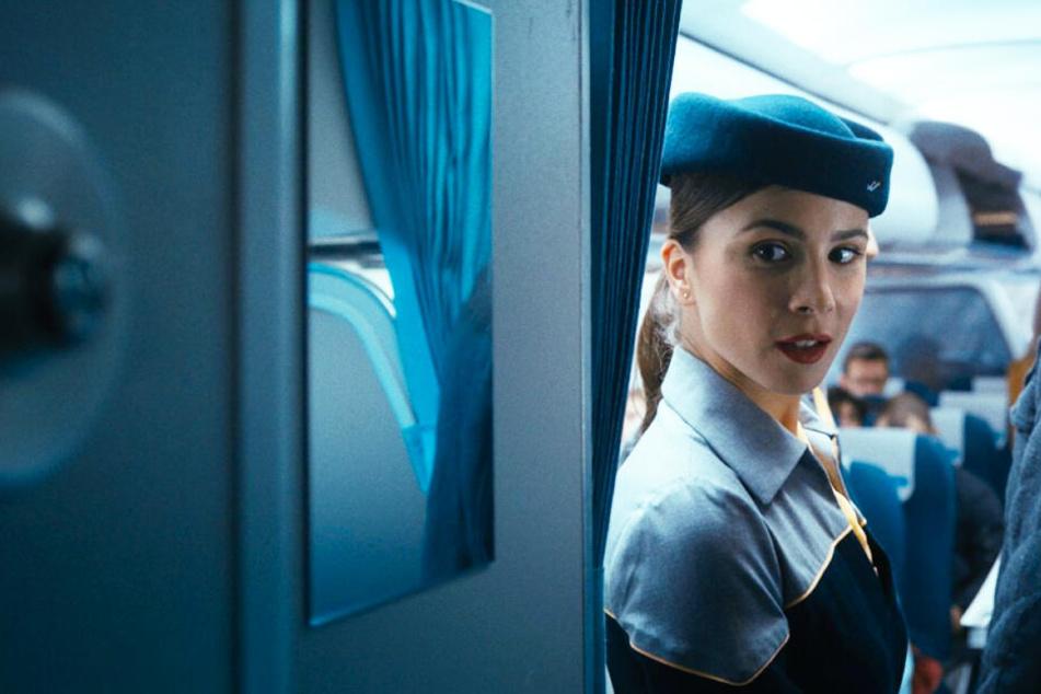 Stewardess Gökce (Aylin Tezel) ist die Freundin von Tobias. Sie haben einen gemeinsamen Sohn und wohnen in Berlin-Kreuzberg.