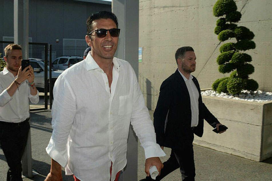 Buffon ist bereits in Turin eingetroffen.