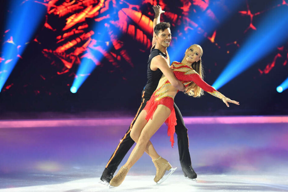 """""""Dancing on Ice"""": Mit diesem Auftritt spaltet Jenny Elvers die Jury"""