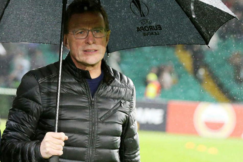 Wahrscheinlich hatte auch das eklig-regnerische Wetter Einfluss auf Ralf Rangnicks Gemütszustand nach der 1:2-Niederlage bei Celtic Glasgow.