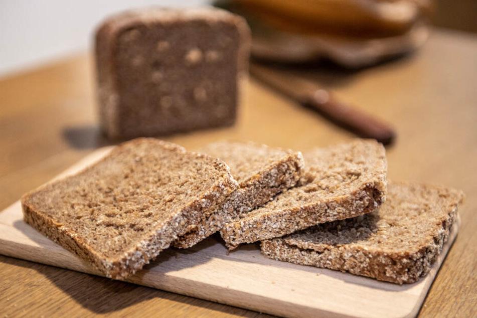 Wegen Metallteilen: Bäckereien rufen Brote zurück