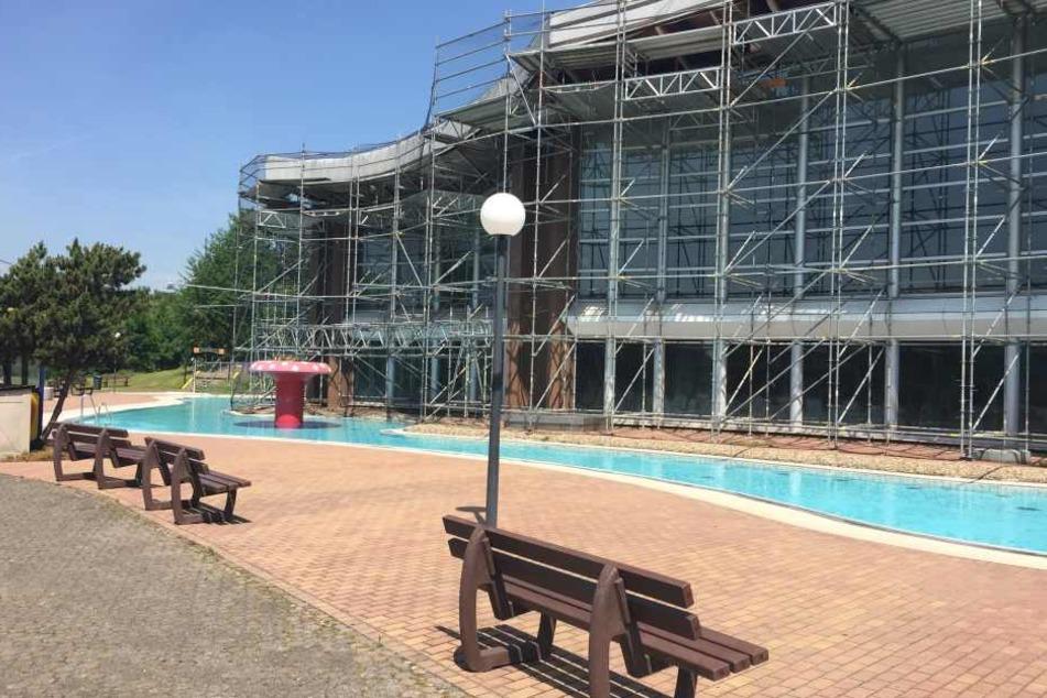 Sanierungsarbeiten: Das Rebstockbad macht bis Oktober dicht.