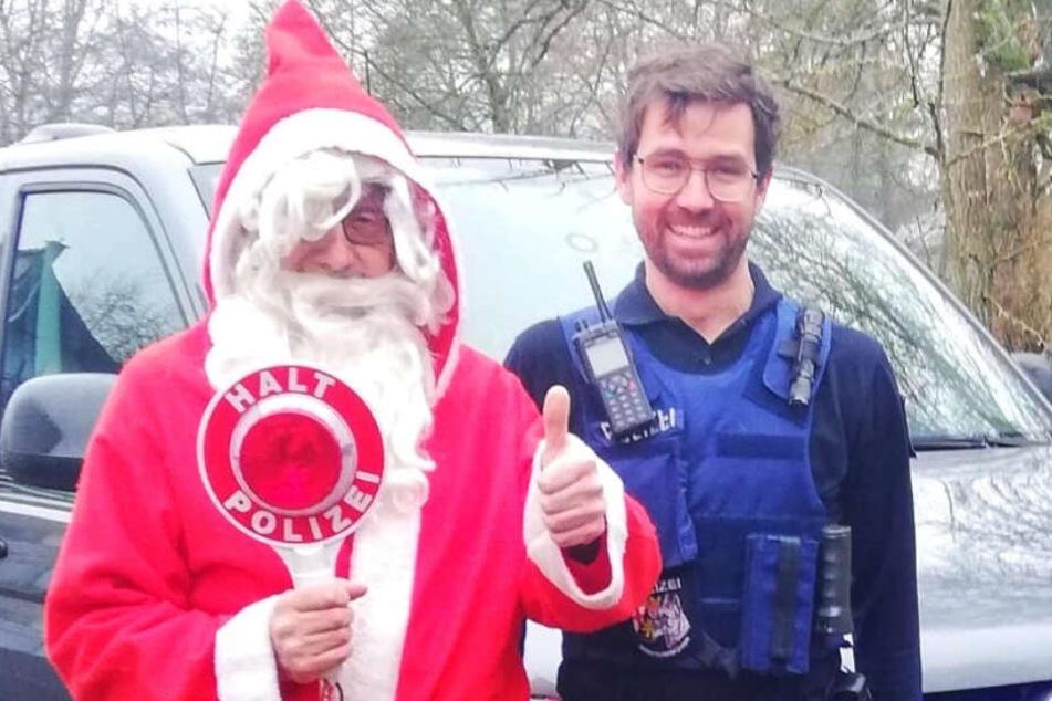 nikolaus-in-misslicher-lage-polizist-greift-helfend-ein