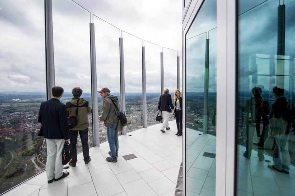 Ein halbes Jahr nach der Eröffnung der Aussichtsplattform kämpft die Betreiberfirma Thyssenkrupp noch mit gelegentlichen technischen Schwierigkeiten.