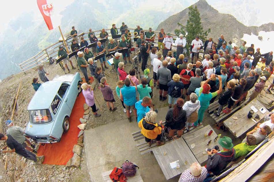 Das Jugendblasorchester Zwickau begrüßte die Gäste auf dem Plateau der Zwickauer Hütte.