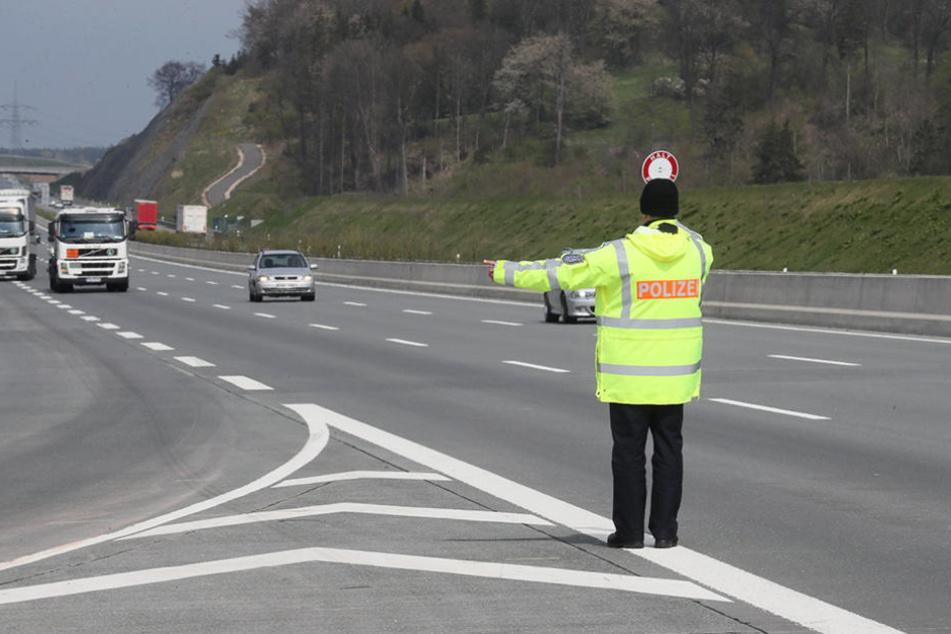 Bei einer Verkehrskontrolle wurden die beiden Männer aus dem Verkehr gezogen. (Symbolfoto)