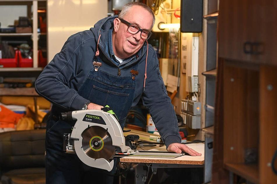 Andreas Walkhoff ist ein Macher mit zwei goldenen Händen. Dank der Augenhornhauttransplantationen kann er wieder mit Freuden Heimwerker sein.
