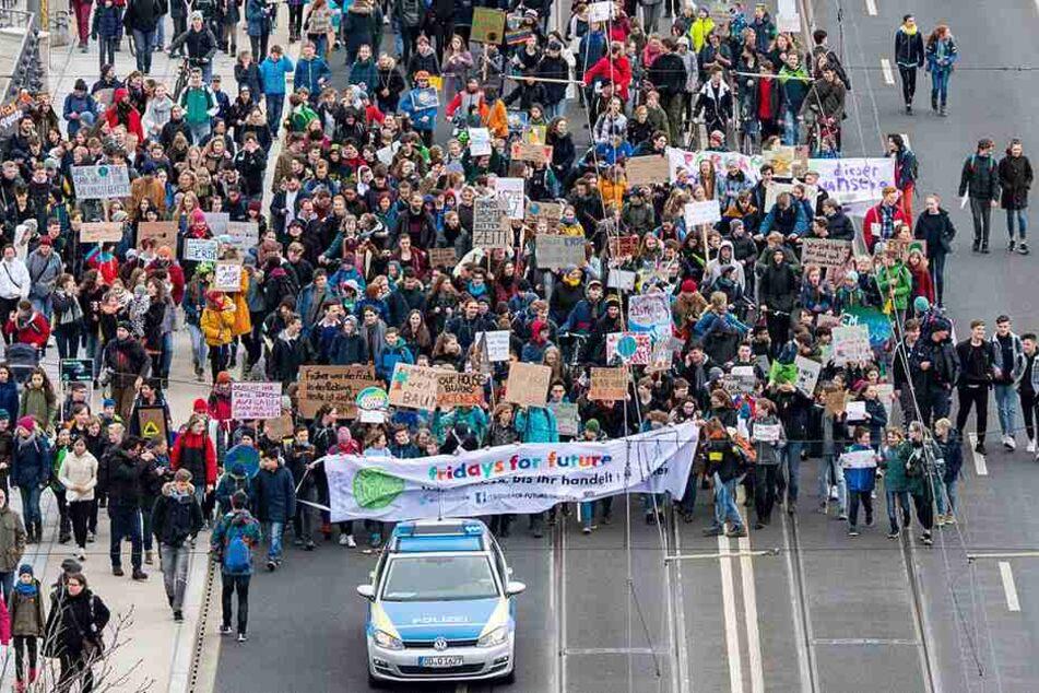 """Auf der letzten """"Fridays for Future""""-Demo in Dresden wurden 5000 Schüler gezählt."""
