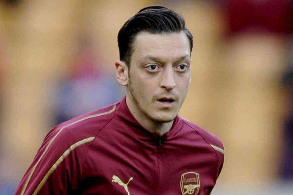 Mesut Özil (30) wurde Opfer eines bewaffneten Raubüberfall.