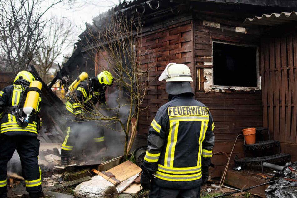 Haus komplett abgebrannt: Zwei Menschen sterben in den Flammen